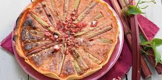 cuisine rhubarbe tarte à la rhubarbe et aux pralines facile et pas cher recette