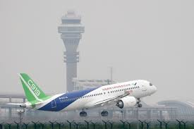 china u0027s new jetliner the comac c919 takes flight for first time