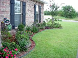 Front Yard Landscape Designs by Flower Bed Designs For Front Of House Use Shrubs Small Trees To