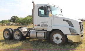 2006 volvo truck tractor 2006 volvo vnl semi truck item c3881 sold june 17 truck