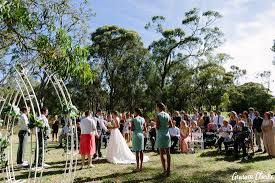 liz and brad s relaxed belair park wedding in adelaide