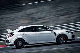 honda civic type r 2018 watch 2018 honda civic type r become the new fwd king of the u0027ring