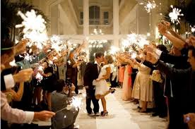 sparklers for weddings where to shop for wedding sparklers the budget savvy
