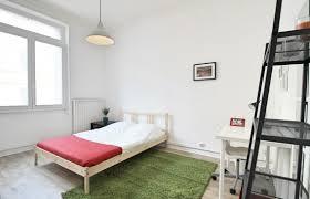 chambres meubl馥s t3 refaite à neuf pret à vivre avec 3 chambres meublées dispsonibles