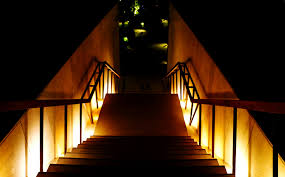 ruban led escalier quel dispositif pour éclairer un escalier sans trop dépenser