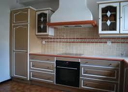 peindre les meubles de cuisine repeindre meubles de cuisine avec peut on repeindre des meubles de