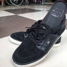 Jual Dc Wes Kremer dc shoe wes x wes kremer s fashion footwear on carousell