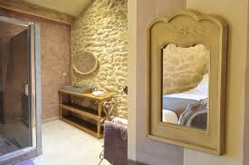 chambre style africain chambre avec mur en pierre cuisine moderne avec mur en pierre