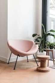 Chair For Reading by Best 25 Pink Chairs Ideas Only On Pinterest Pink Velvet Velvet