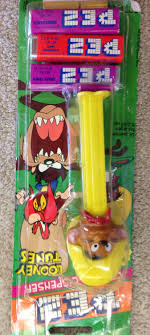 where to buy pez candy speedy gonzalez pez candy dispenser looney tunes collectible