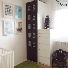 ikea armoires chambre armoire ikea relooke en immeuble idées déco