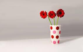 Red Flowers In A Vase Flower Vase Wallpaper 616 1920 X 1200 Wallpaperlayer Com