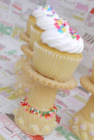 how to make an edible cupcake stand best friends for frosting