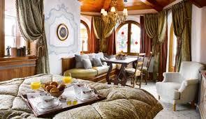 chambre de palace les suites palace les airelles courchevel savoie luxe