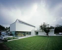 Contemporary Home Exteriors Design Villa Awesome Home Exterior Design With White Color And Green