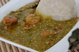 comment cuisiner le gombo sauce gombo aux crevettes et poisson fumé recette togolaise