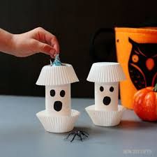 diy paper roll ghost halloween gifts non toy gifts