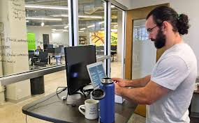 office workers benefit from using standing desks startribune com