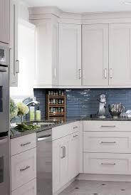 kitchen backsplashes with white cabinets amusant glass kitchen backsplash white cabinets mosaic black