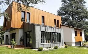 interieur maison bois contemporaine maison contemporaine par casaboa la maison bois par maisons bois com