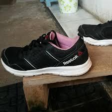 Jual Reebok Ori sepatu reebok original size 39 preloved fesyen wanita sepatu di