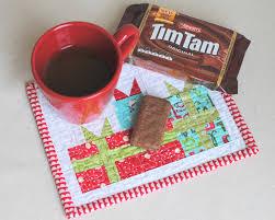clover violet mini merry gift boxes mug rug tutorial