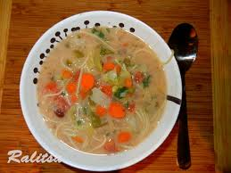 hearty healthy vegetable soup low calorie meal
