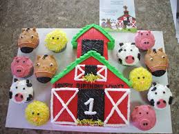 cute farm cake i made with animal cupcakes sweet thangs