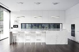 cuisine contemporaine blanche cuisine amenagee blanche cuisine moderne laquée classements adour
