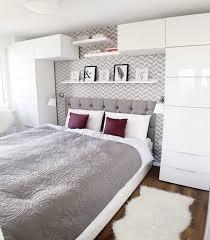 weiße schlafzimmer schlafzimmer in weiß ideen wie der raum freundlich und hell wirkt
