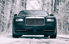 rolls royce outside 9 things i learned driving the 2016 rolls royce wraith autoguide