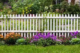 Backyard Fence Decorating Ideas by Backyard Fence Ideas Crafts Home