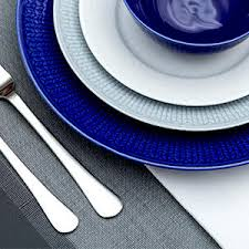 Table Setting Chargers - how to use charger plates what are charger plates