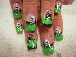 green and black spider and skull acrylic halloween nails nail