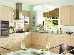 farbe für küche farbe für küche küchenwand in kontrastfarbe streichen