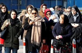 news iran iran une femme bouscul礬e par un policier dans les manifestations