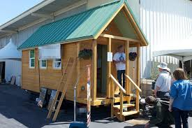 how to find your perfect tiny house builder buy tiny houses