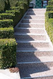 steinteppich verlegen treppe mit steinteppich die hauseingang treppe sanieren renofloor gmbh