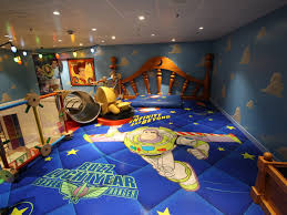 kids beds amazing disney buzz lightyear themed bedroom brown
