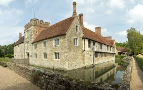 House With A Moat Ightham Mote Wikipedia