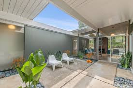 Eichler Models Eichler Home In San Rafael With Pool Asks 1 2 Million Curbed Sf