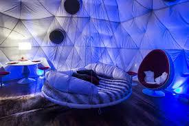 dormez dans un globe ou dôme géodesique un igloo en bretagne