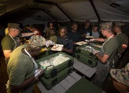 thanksgiving army marines enjoy thanksgiving meal overseas northiowatoday com