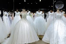wedding dress store what wedding dress material matches your personality