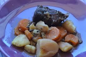 cuisiner le jarret de boeuf daube de jarret de bœuf pour une délicieuse recette hivernale de bœuf