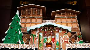 Blog House Photos Gingerbread House At Disney S Grand Californian Hotel