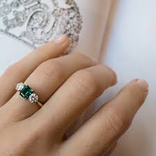 best 25 emerald ring vintage ideas on pinterest green rings