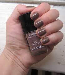the beauty of life mani of the week chanel le vernis nail colour