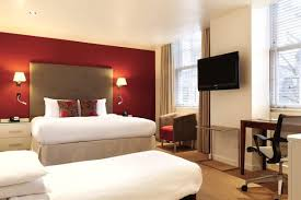The Best Of Londons Budgetluxury Hotels Room - London hotels family room
