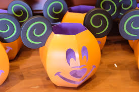 video halloween 2017 decorations u0026 merchandise arrive at magic